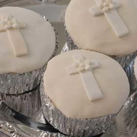 Cross Cupcakes