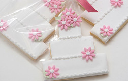 Pink Flowers Wedding Cake Cookies