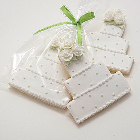 Swiss Dot Wedding Cake Cookies