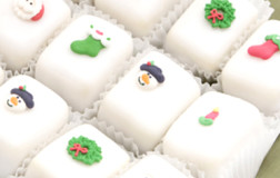 Christmas Petit Four Glace