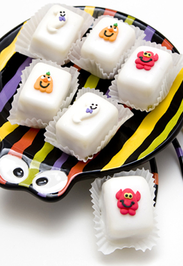 Halloween Petit Four Glace