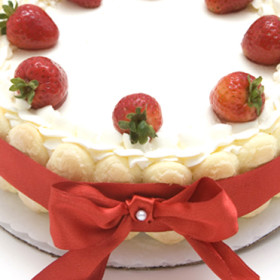 Strawberries & Champagne Torte