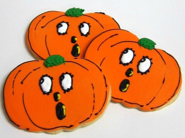 Scared Jack O'Lantern Cookies | Scrumptions
