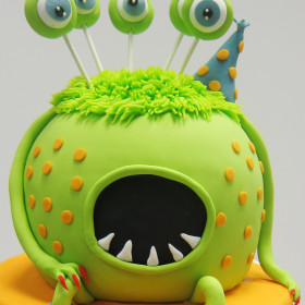 monster cake face zoom
