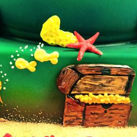 detail shot of skuba diving cake