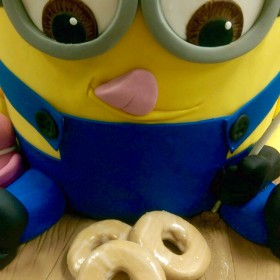minion cake close up